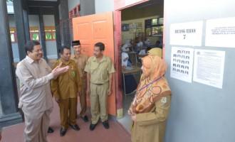 Sekda Tinjau Penyelenggaraan UN di Banda Aceh