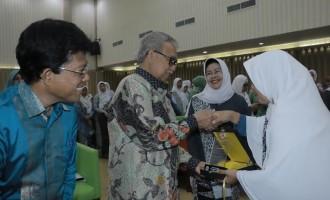 Gubernur : Bidan Sangat Dibutuhkan Masyarakat Aceh
