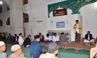 Plt Bupati Hadiri Nuzulul Qur'an di Manjid Agung Babussalam