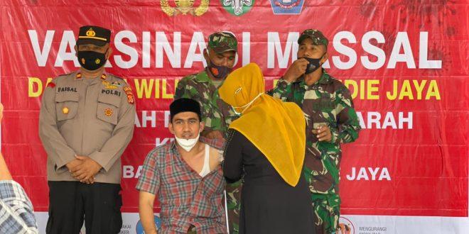 Tindak Lanjut Instruksi Gubernur Aceh, Dayah Darul Munawwarah Kuta Krueng Gelar Vaksinasi Covid-19 thumbnail