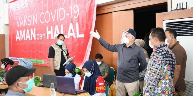 Sekda Taqwallah Pantau Pelaksanaan Vaksinasi Covid-19 thumbnail