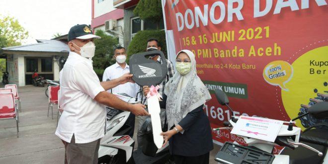 Sekda Aceh Serahkan 3 Unit Sepeda Motor Untuk Pemenang Undian Tahunan PMI thumbnail