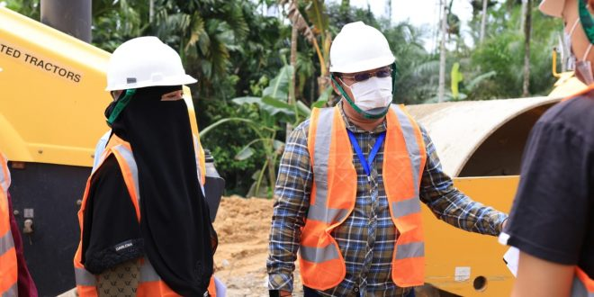 Masyarakat Lokop Serba Jadi Serahkan Tanah untuk Pembangunan Jalan Peureulak – Lokop thumbnail