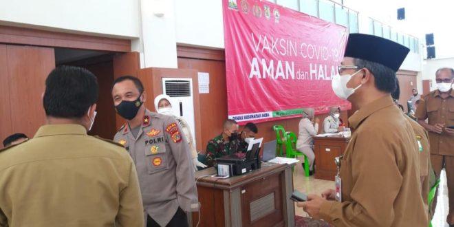 Semangati Vaksinator, Wakapolda Aceh Tinjau Pelaksanaan Vaksinasi Covid-19 thumbnail